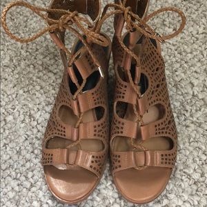 GREAT DOLCE VITA LAMONT LEATHER WEDGE SANDALS 6.5M